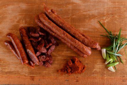 Carnați semiafumți de grătar