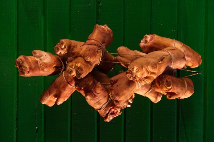 Picioare de porc afumate